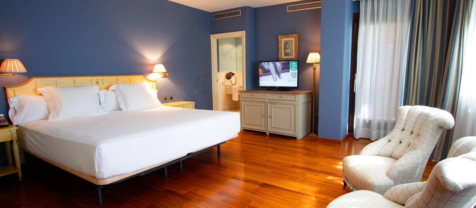 Номер с Сьют с Джакузи | Hotel Blancafort